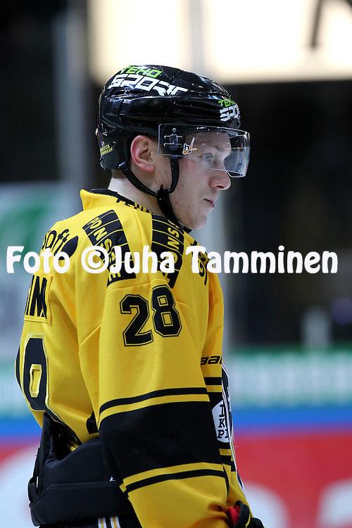 15.10.2014, Hakamets&auml;n halli, Tampere..<br /> J&auml;&auml;kiekon SM-liiga 2014-15. Ilves - KalPa.<br /> Jaakko Rissanen - KalPa