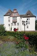 Schloss Fuerstenberg, Porzellanmanufaktur, Naturpark Solling-Vogler, Weserbergland, Niedersachsen, Deutschland.| .Schloss Fuerstenberg, Weserbergland, Lower Saxony, Germany.