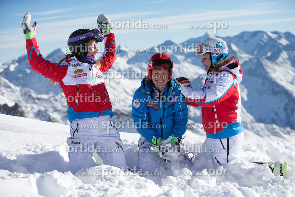 24.10.2014, Rettenbachferner, Soelden, AUT, FIS Weltcup, Ski Alpin, Vorberichte, im Bild Marie Massios (FRA), Anemone Marmottan (FRA), Anne Sophie Barthet (FRA) // French ski racers Marie Massios, Anemone Marmottan, Anne Sophie Barthet during preperation oft the FIS Ski Alpine Worldcup opening at the Rettenbach Glacier in Soelden, Austria on 2014/10/24. EXPA Pictures © 2014, PhotoCredit: EXPA/ Johann Groder