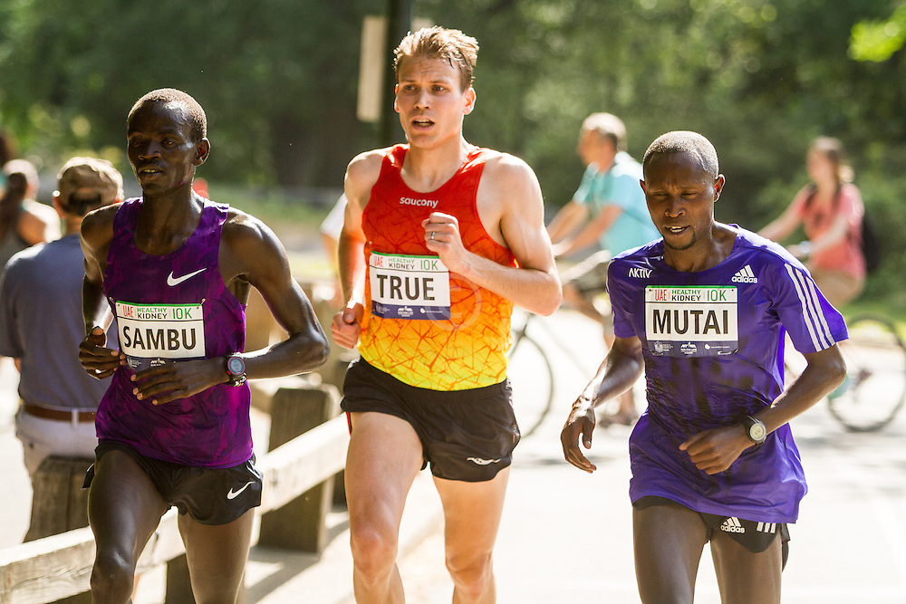 UAE Healthy Kidney 10K, Sambu, True, Mutai with one mile to go