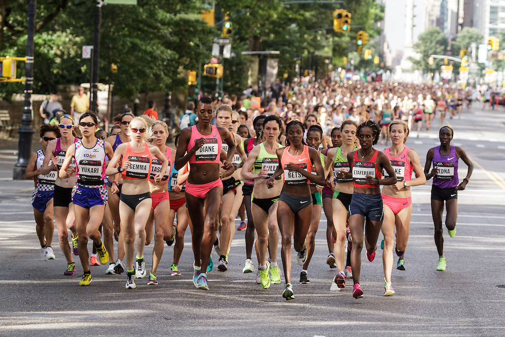 NYRR Oakley Mini 10K for Women: start