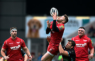 Scarlets' Steffan Hughes claims the high ball under pressure from Glasgow Warriors' DTH Van Der Merwe<br /> <br /> Photographer Simon King/Replay Images<br /> <br /> Guinness PRO14 Round 19 - Scarlets v Glasgow Warriors - Saturday 7th April 2018 - Parc Y Scarlets - Llanelli<br /> <br /> World Copyright © Replay Images . All rights reserved. info@replayimages.co.uk - http://replayimages.co.uk
