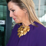 "Koningin Maxima is aanwezig bij  het symposium ""van Traditie naar Ambitie"" van het Nederlands Agrarisch Jongeren Kontakt (NAJK) in het hoofdkantoor van de Rabobank, Utrecht. Dit symposium gaat over de rol van het gezinsbedrijf in de agrarische sector. <br /> <br /> Queen Maxima is present at the symposium ""from Tradition to Ambition"" by Dutch Agricultural Youth (NAJK) at the headquarters of Rabobank, Utrecht. This symposium is about the role of the family business in the agricultural sector.<br /> <br /> Op de foto / On the photo:  Aankomst Koningin Maxima / Arrival Queen Maxima"