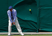 epaselect epa06863692 A line judge narrowly avoids being hit by a serve from Paolo Lorenzi of Italy playing Gael Monfils of France in their second round match during the Wimbledon Championships at the All England Lawn Tennis Club, in London, Britain, 04 July 2018. EPA-EFE/NIC BOTHMA EDITORIAL USE ONLY/NO COMMERCIAL SALES