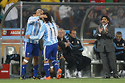 &copy;Jonathan Moscrop - LaPresse<br /> 27 06 2010 Johannesburg ( Sud Africa )<br /> Sport Calcio<br /> Argentina vs Messico - Mondiali di calcio Sud Africa 2010 Ottavi di finale - Soccer City<br /> Nella foto: l'allenatore dell'Argentina Diego Armando Maradona applaude durante la sostituzione di Carlos Tevez per Juan Sebastian Veron<br /> <br /> &copy;Jonathan Moscrop - LaPresse<br /> 27 06 2010 Johannesburg ( South Africa )<br /> Sport Soccer<br /> Argentina versus Mexico - FIFA 2010 World Cup South Africa round of sixteen - Soccer City Stadium<br /> In the Photo: Argentina coach Diego Armando Maradona applauds as Carlos Tevez is replaced by Juan Sebastian veron