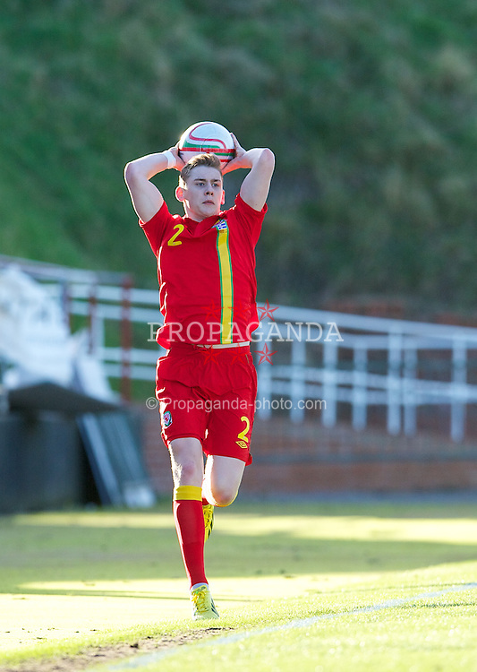 LLANELLI, WALES - Wednesday, February 6, 2013: Wales' Elliot Hewitt in action against Iceland during an International Friendly Under-21 match at Stebonheath Park. (Pic by David Rawcliffe/Propaganda)