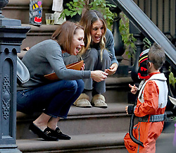 Sarah Jessica Parker hands out Candy outside her Apartment for Halloween, NYC. 31 Oct 2018 Pictured: Sarah Jessica Parker. Photo credit: MEGA TheMegaAgency.com +1 888 505 6342