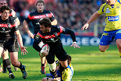 Maxime Medard attacks and sets up Luke Burgess for the second Stade Toulouse try. Stade Toulousain v ASM Clermont Auvergne, Top 14, Stade Municipal, Toulouse, France, 1st December 2012.