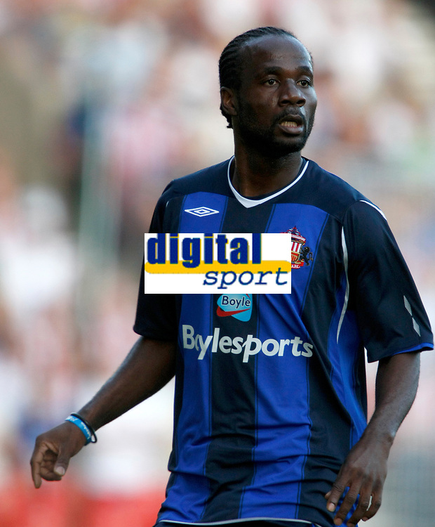 Photo: Steve Bond/Richard Lane Photography. Nottingham Forest v Sunderland. Pre Season Friendy. 29/07/2008. Pascal Chimbonda in Sunderland colours