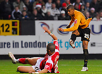 Photo: Leigh Quinnell/Sportsbeat Images.<br /> Charlton Athletic v Hull City. Coca Cola Championship. 22/12/2007. Hulls Frazier Campbell fires home a goal.
