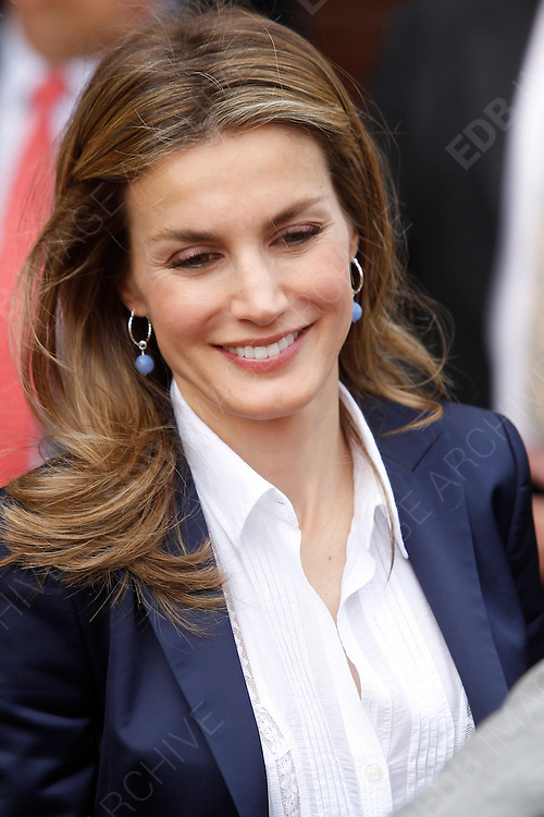 17.SEPTEMBER.2012. TOLEDO<br /> <br /> PRINCESS LETIZIA AND PRINCE FELIPE ATTENDING THE OPENING OF THE SCHOOL YEAR 2012-13 AT TOMAS ROMOJARO SCHOOL IN FUENSALIDA, TOLEDO, SPAIN<br /> <br /> BYLINE: EDBIMAGEARCHIVE.CO.UK<br /> <br /> *THIS IMAGE IS STRICTLY FOR UK NEWSPAPERS AND MAGAZINES ONLY*<br /> *FOR WORLD WIDE SALES AND WEB USE PLEASE CONTACT EDBIMAGEARCHIVE - 0208 954 5968*