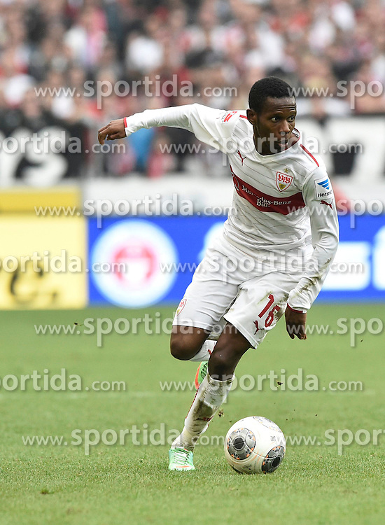 05.04.2014, Mercedes Benz Arena, Stuttgart, GER, 1. FBL, VfB Stuttgart vs SC Freiburg, 29. Runde, im Bild Ibrahima Traore VfB Stuttgart am Ball // during the German Bundesliga 29th round match between VfB Stuttgart and SC Freiburg at the Mercedes Benz Arena in Stuttgart, Germany on 2014/04/06. EXPA Pictures &copy; 2014, PhotoCredit: EXPA/ Eibner-Pressefoto/ Weber<br /> <br /> *****ATTENTION - OUT of GER*****