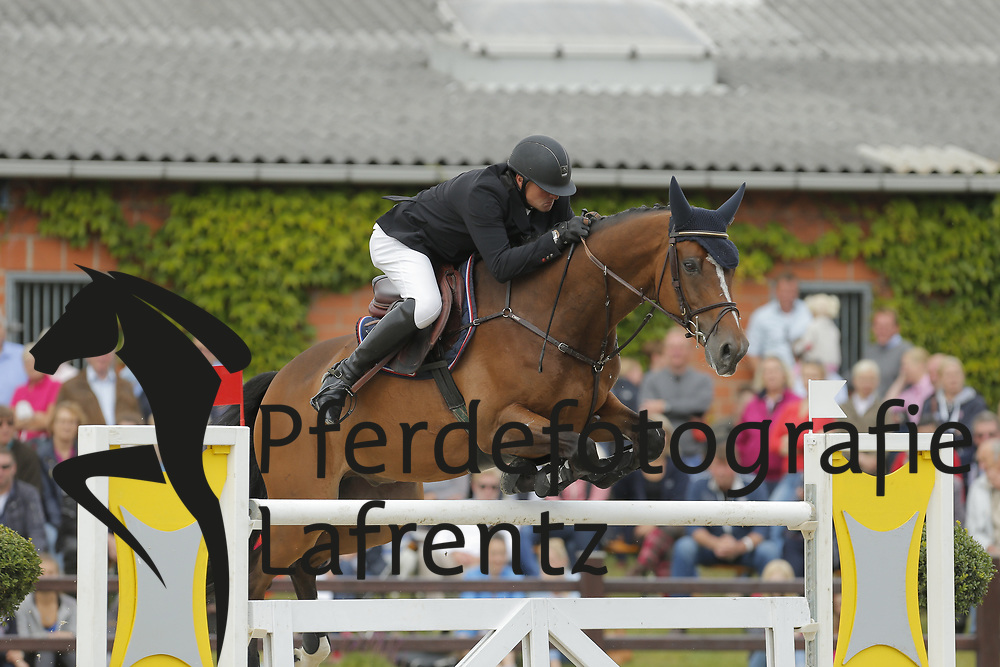 Schulze, Philipp, Lacoeur<br /> Ehlersdorf - Ehlersdorfer Turniertage 2014<br /> Grosser Preis<br /> © www.sportfotos-lafrentz.de/ Stefan Lafrentz