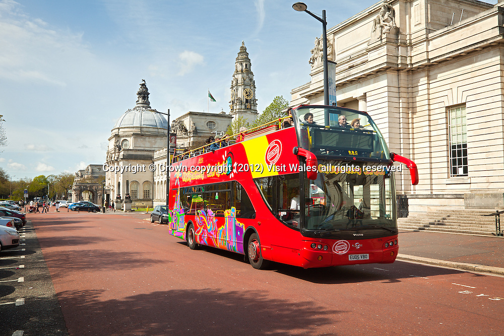 City Sightseeing bus outside National Museum<br /> Cardiff<br /> South<br /> Guided Tours<br /> Transport