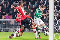 EINDHOVEN - PSV - Sparta Rotterdam , Voetbal , Eredivisie , Seizoen 2016/2017 , Philips Stadion , 22-10-2016 , Sparta speler Craig Goodwin (r) geeft de bal voor , PSV speler Luuk de Jong (2e l) en PSV speler Joshua Brenet (l) hebben moeite om hem te temmen