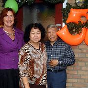 NLD/Huizen/20070531 - 50 Jarig huwelijk van Amstel - van Gestel Gooilandweg 244, wethouder Tijhaar op bezoek
