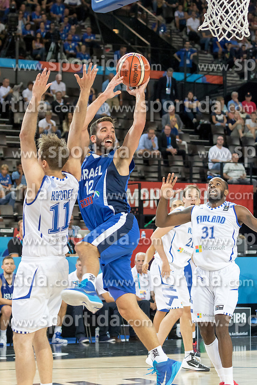 06.09.2015, Park Suites Arena, Montpellier, FRA, Finnland vs Israel, Gruppe A, im Bild YOGEV OHAYON (12), JAMAR WILSON (31) // during the FIBA Eurobasket 2015, group A match between Finland and Israel at the Park Suites Arena in Montpellier, France on 2015/09/06. EXPA Pictures &copy; 2015, PhotoCredit: EXPA/ Newspix/ Pawel Pietranik<br /> <br /> *****ATTENTION - for AUT, SLO, CRO, SRB, BIH, MAZ, TUR, SUI, SWE only*****