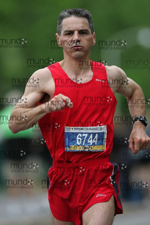 (Ottawa, ON --- May 30, 2010) DENIS SAVARD running in the half-marathon during the Ottawa Race Weekend. Photograph copyright Sean Burges / Mundo Sport Images