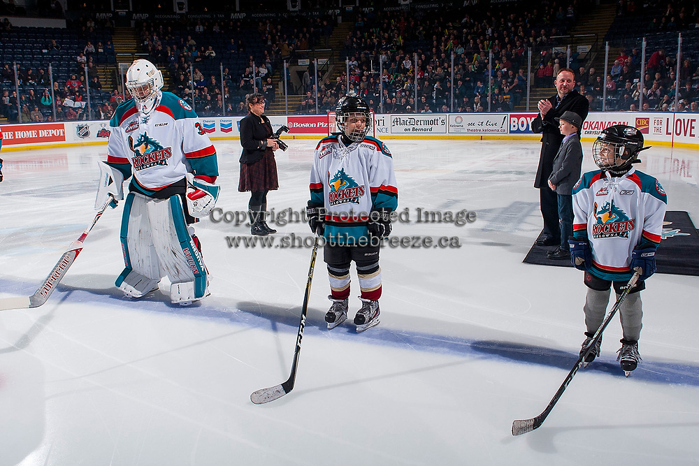 KELOWNA, CANADA - JANUARY 17: The Pepsi Players of the game and Brodan Salmond #31 of the Kelowna Rockets lines up against the Lethbridge Hurricanes on January 17, 2018 at Prospera Place in Kelowna, British Columbia, Canada.  (Photo by Marissa Baecker/Shoot the Breeze)  *** Local Caption ***