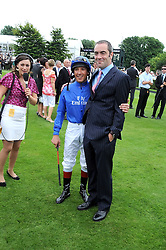Left to right, FRANKIE DETTORI and JAMES NESBITT at the 3rd day of the 2008 Glorious Goodwood racing festival at Goodwood Racecourse, West Sussex on 31st July 2008.<br /> <br /> NON EXCLUSIVE - WORLD RIGHTS