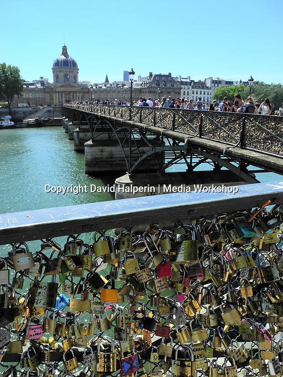 Lovers' locks, Pont des Artes