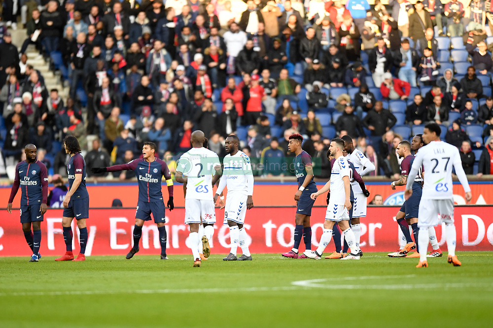 February 17, 2018 - Paris, France - 19 LASSANA DIARRA (psg) - 02 THIAGO SILVA (psg) - 19 STEPHANE BAHOKEN (stra) - 03 PRESNEL KIMPEMBE (psg) - 04 Pablo MARTINEZ  (Credit Image: © Panoramic via ZUMA Press)