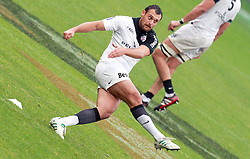 Lionel Beauxis takes a penalty for Toulouse. Stade Toulousain v Stade Francais, 9eme Journee, Top 14, Rugby, Stade Ernest Wallon, Toulouse, France, 29th October 2011.