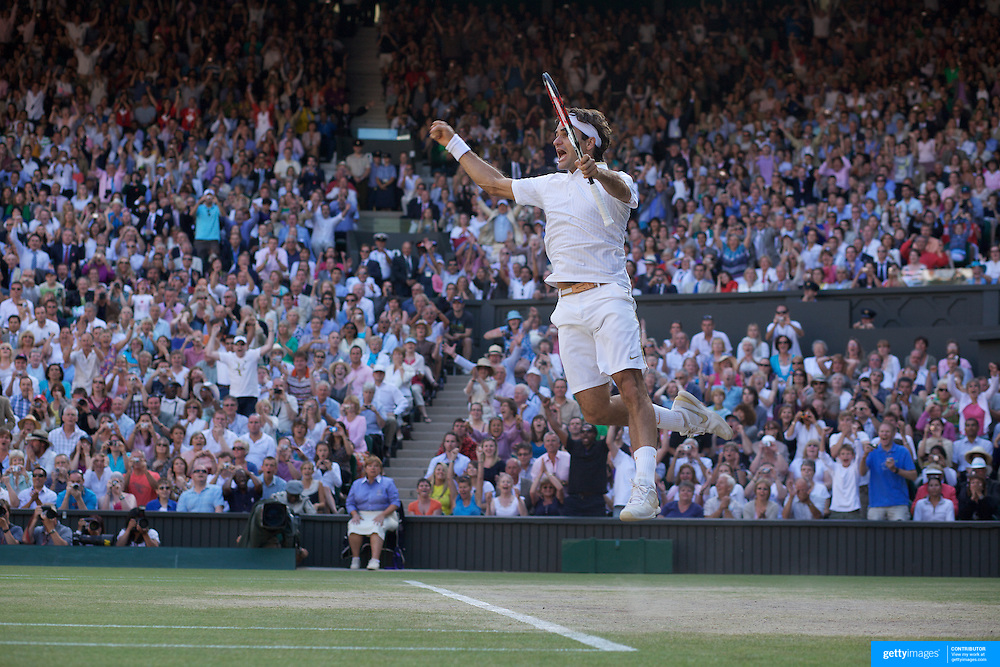 Roger Federer, Switzerland, celebrates his five set victory over Andy Roddick, USA, in the Men's Sigles Final at the All England Lawn Tennis Championships at Wimbledon, London, England on Sunday, July 05, 2009.  Photo Tim Clayton.
