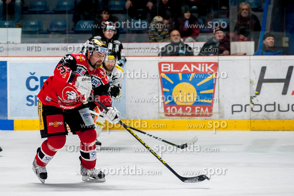 08.01.2017, Ice Rink, Znojmo, CZE, EBEL, HC Orli Znojmo vs Dornbirner Eishockey Club, 41. Runde, im Bild v.l. Peter Pucher (HC Orli Znojmo) Kevin Schmidt (Dornbirner) // during the Erste Bank Icehockey League 41th round match between HC Orli Znojmo and Dornbirner Eishockey Club at the Ice Rink in Znojmo, Czech Republic on 2017/01/08. EXPA Pictures © 2017, PhotoCredit: EXPA/ Rostislav Pfeffer