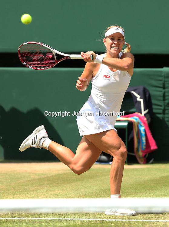 Wimbledon Championships 2014, AELTC,London,<br /> ITF Grand Slam Tennis Tournament,<br /> Angelique Kerber (GER),Aktion,Einzelbild,<br /> Ganzkoerper,Hochformat,