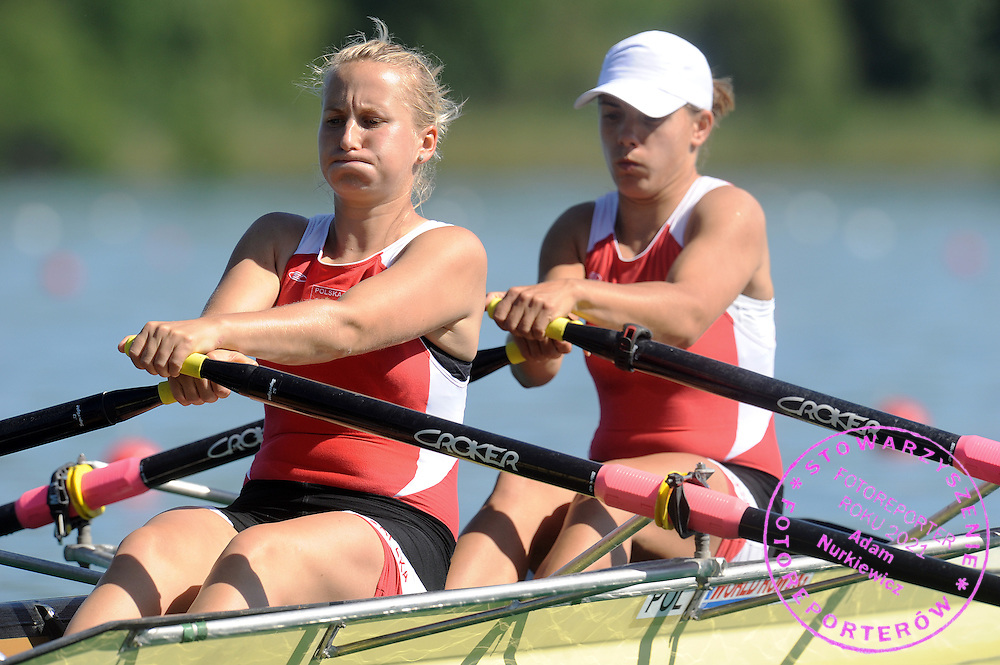 (L) NATALIA MADAJ & (R) MAGDALENA FULARCZYK (BOTH POLAND) COMPETE AT WOMEN'S DOUBLE SCULLS HEAT DURING DAY 1 FISA ROWING WORLD CUP ON ESTANY LAKE IN BANYOLES, SPAIN...BANYOLES , SPAIN , MAY 29, 2009..( PHOTO BY ADAM NURKIEWICZ / MEDIASPORT )..PICTURE ALSO AVAIBLE IN RAW OR TIFF FORMAT ON SPECIAL REQUEST.