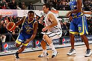 DESCRIZIONE : Caserta Lega A 2011-12 Otto Caserta Fabi Shoes Montegranaro<br /> GIOCATORE : Jerel Mc Neal<br /> SQUADRA : Fabi Shoes Montegranaro<br /> EVENTO : Campionato Lega A 2011-2012<br /> GARA : Otto Caserta Fabi Shoes Montegranaro<br /> DATA : 08/01/2012<br /> CATEGORIA : palleggio penetrazione<br /> SPORT : Pallacanestro<br /> AUTORE : Agenzia Ciamillo-Castoria/A.De Lise<br /> Galleria : Lega Basket A 2011-2012<br /> Fotonotizia : Caserta Lega A 2011-12 Otto Caserta Fabi Shoes Montegranaro<br /> Predefinita :