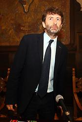 DARIO FRANCECHINI<br /> PRESENTAZIONE ALLA STAMPA MOSTRA COLLEZIONE D'ARTE CAVALLINI SGARBI CASTELLO ESTENSE