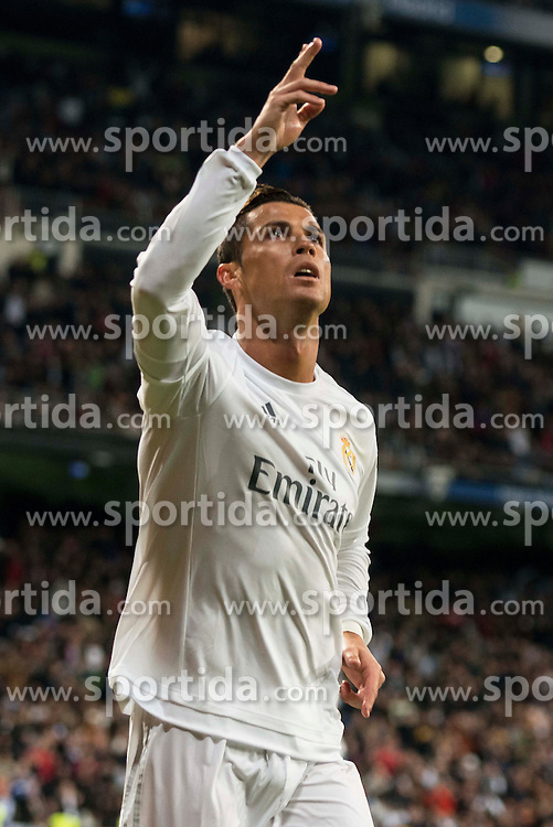 20.03.2016, Estadio Santiago Bernabeu, Madrid, ESP, Primera Division, Real Madrid vs Sevilla FC, 30. Runde, im Bild Real Madrid's Cristiano Ronaldo celebrating a goal // during the Spanish Primera Division 30th round match between Real Madrid and Sevilla FC at the Estadio Santiago Bernabeu in Madrid, Spain on 2016/03/20. EXPA Pictures &copy; 2016, PhotoCredit: EXPA/ Alterphotos/ Borja B.Hojas<br /> <br /> *****ATTENTION - OUT of ESP, SUI*****