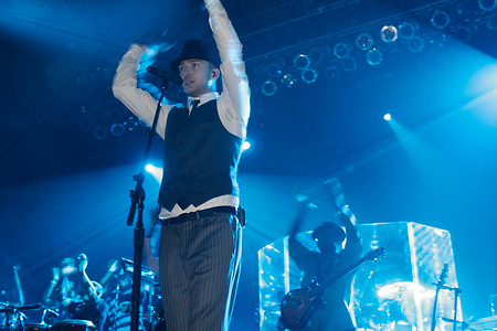 Justin Timberlake performing at Roseland immediately after the 2006 VMA award ceremony on August 31, 2006