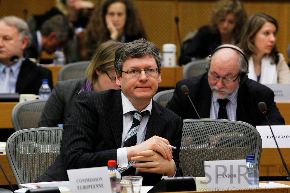 """BRUSSELS - BELGIUM - 03 MARCH 2010 --  László (Laszlo) Andor, EU Commissioner for Employment, Social Affairs and Inclusion, listening to a question at the Joint Seminar Eurofound - European Parliament """"Company strategies in Europe: Flexibility and social dialogue"""" PHOTO: ERIK LUNTANG / INSPIRIT"""