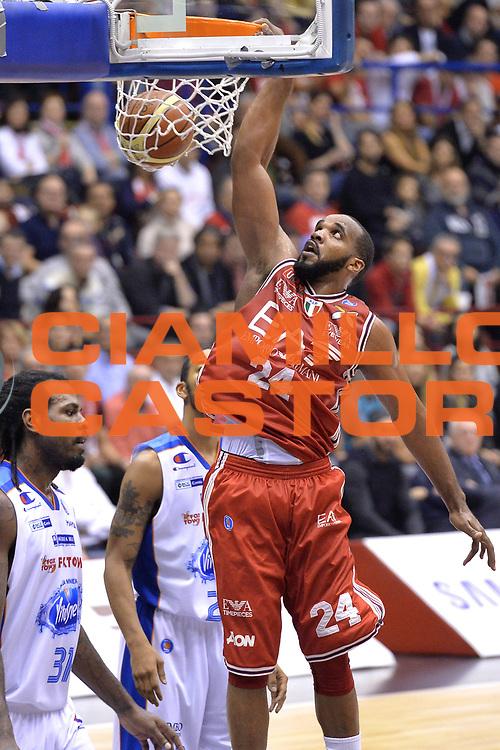 DESCRIZIONE : Milano Lega A 2014-15  EA7 Emporio Armani Milano vs Acqua Vitasnella Cant&ugrave;<br /> GIOCATORE : Samardo Samuels<br /> CATEGORIA : Tiro<br /> SQUADRA : EA7 Emporio Armani Milano<br /> EVENTO : Campionato Lega A 2014-2015<br /> GARA : EA7 Emporio Armani Milano vs Acqua Vitasnella Cant&ugrave;<br /> DATA : 16/11/2014<br /> SPORT : Pallacanestro <br /> AUTORE : Agenzia Ciamillo-Castoria/I.Mancini<br /> Galleria : Lega Basket A 2014-2015  <br /> Fotonotizia : Milano Lega A 2014-2015 Pallacanestro : EA7 Emporio Armani Milano vs Acqua Vitasnella Cant&ugrave;<br /> Predefinita :
