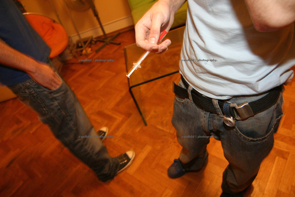 A drug addicted young georgian boy is injecting the drug Subutex in his vein. tousends of georgians have heavy drug problems. Subutex, an opioid, is cheap and easy to get.- Ein jungendlicher Georgier spritzt sich Drogen in seine Vene. Tausende Georgier haben ein Drogenproblem. Subutex, ein Opioid, ist sehr leicht und billigt zu bekommen.