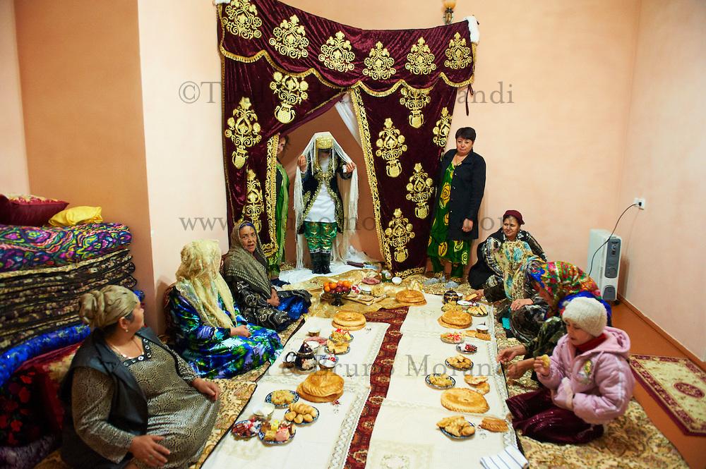Ouzbekistan, Boukhara, patrimoine mondial de l Unesco, ceremonie de mariage // Uzbekistan, Bukhara, Unesco world heritage, wedding ceremonie