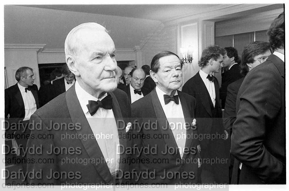 R.M Hilary and H.M Newton, Hawks Club dinner, Savoy 8.12.86© Copyright Photograph by Dafydd Jones 66 Stockwell Park Rd. London SW9 0DA Tel 020 7733 0108 www.dafjones.com