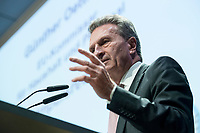 04 DEZ 2017, BERLIN/GERMANY:<br /> Guenther Oettinger, CDU, EU-Kommissar fuer Haushalt und Personal, haelt eine Rede, Europ&auml;ischer Abend &quot;Europ&auml;ische Solidarit&auml;t: Was darf&rsquo;s kosten?&quot;, dbb beamtenbund und tarifunion, dbb Atrium<br /> IMAGE: 20171204-01-084<br /> KEYWORDS: Europaeischer Abend, G&uuml;nther &Ouml;ttinger