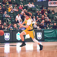 2nd year guard, Brayden Kuski (4) of the Regina Cougars during the Men's Basketball Home Game on Fri Nov 30 at Centre for Kinesiology,Health and Sport. Credit: Arthur Ward/Arthur Images
