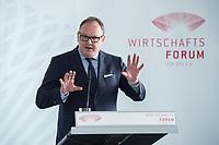 13 JUN 2017, BERLIN/GERMANY:<br /> Harald Christ, Vorstandsvorsitzender der ERGO Beratung und Vertrieb AG und SChatzmeister des Wirtschaftsforums der SPD, haelt eine Rede, waehrend der Mitgliederversammlung Wirtschaftsforum der SPD, Humboldt-Box<br /> IMAGE: 20170613-01-082