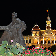 A view of the Ho Chi Minh Statue at night time in front of  Ho Chi Minh City Hall in Ho Chi Minh City, Vietnam. 3rd March 2012. Photo Tim Clayton