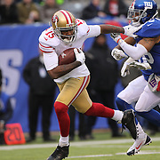 Michael Crabtree, San Francisco 49ers, breaks clear from Quintin Demps, New York Giants, to scores a touchdown during the New York Giants V San Francisco 49ers, NFL American Football match at MetLife Stadium, East Rutherford, NJ, USA. 16th November 2014. Photo Tim Clayton