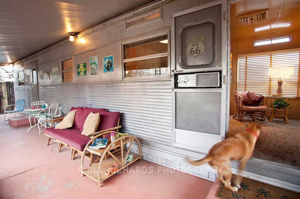 Das Palmas is a 1958 Spartan Trailer guest house parked in Patagonia, Arizona. The 50-foot, fully restored trailer can be rented by the night or by the week. It's located right next door to the Patagonia public library. Patagonia, located in Southern Arizona, is known for its birding and wineries.