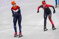 22-02-2018 KOR: Olympic Games day 13, PyeongChang<br /> Short Track Speedskating / Shorttrackster Suzanne Schulting heeft dankzij een magistrale finale de olympische titel veroverd op de 1.000 meter. Kim Boutin of Canada