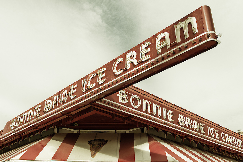 Bonnie Brae Ice Cream is newer than it looks, having started serving in 1986. The retro sign stands out for its perpendicular angles and prominent placement on the corner of University Blvd and Ohio Ave.