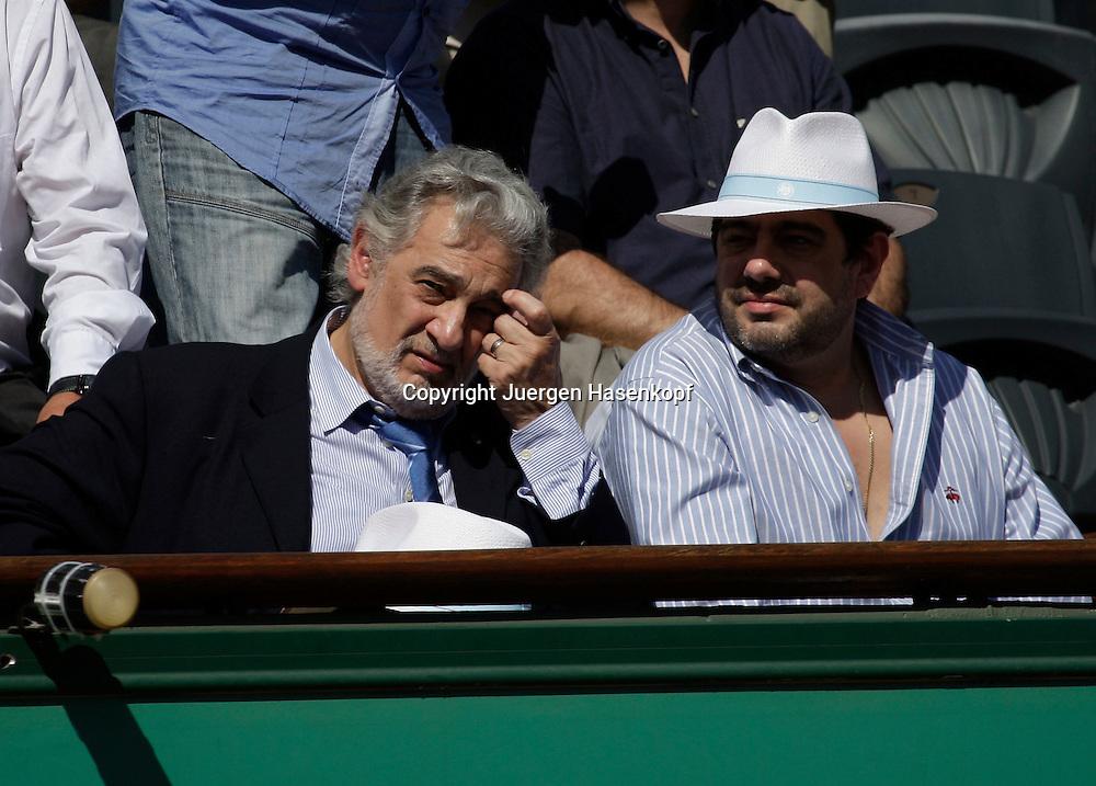 French Open 2009, Roland Garros, Paris, Frankreich,Sport, Tennis, ITF Grand Slam Tournament, <br /> <br /> Placido Domingo als Zuschauer auf der VIP Tribuene <br /> <br /> Foto: Juergen Hasenkopf