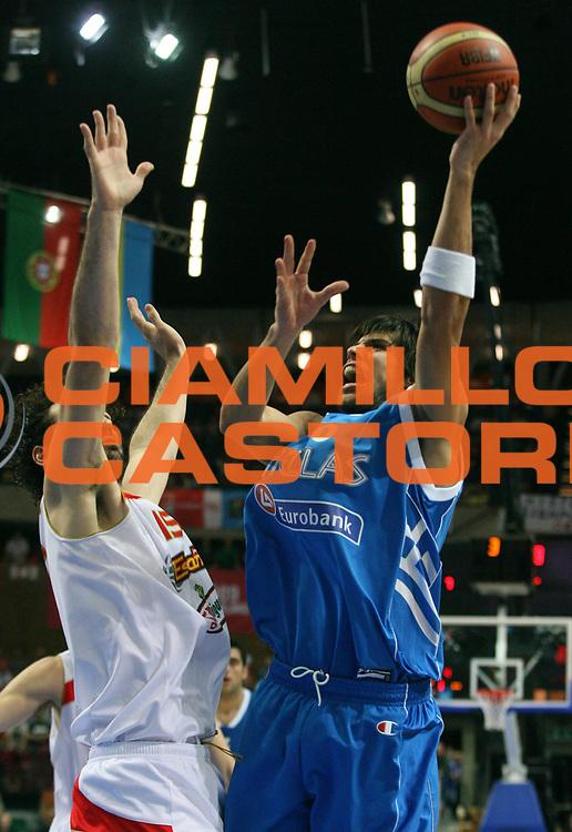 DESCRIZIONE : Katowice Poland Polonia Eurobasket Men 2009 Semifinale Semifinal Spagna Spain Grecia Greece<br /> GIOCATORE : Georgios Printezis<br /> SQUADRA : Grecia Greece<br /> EVENTO : Eurobasket Men 2009<br /> GARA : Spagna Spain Grecia Greece<br /> DATA : 19/09/2009 <br /> CATEGORIA :<br /> SPORT : Pallacanestro <br /> AUTORE : Agenzia Ciamillo-Castoria/A.Vlachos<br /> Galleria : Eurobasket Men 2009 <br /> Fotonotizia : Katowice  Poland Polonia Eurobasket Men 2009 Semifinale Semifinal Spagna Spain Grecia Greece<br /> Predefinita :